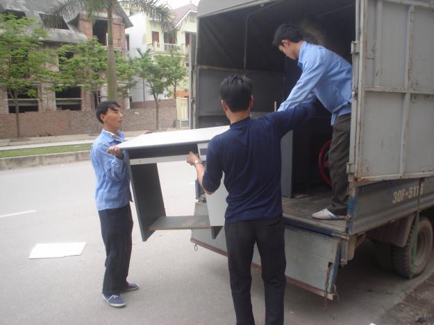 Xe tải 9 tạ chở được số lượng lớn hàng hoá