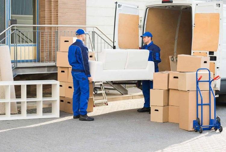 Đóng gói dần đồ đạc để vận chuyển nhanh hơn
