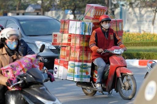 Chở hàng bằng xe máy tiết kiệm chi phí