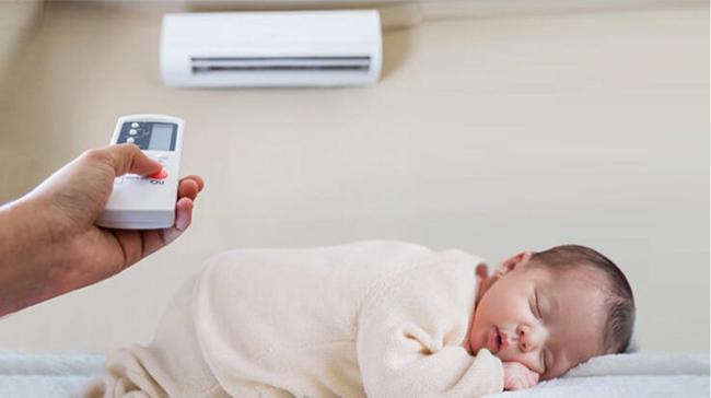 Có nên cho trẻ nhỏ, trẻ sơ sinh nằm máy lạnh