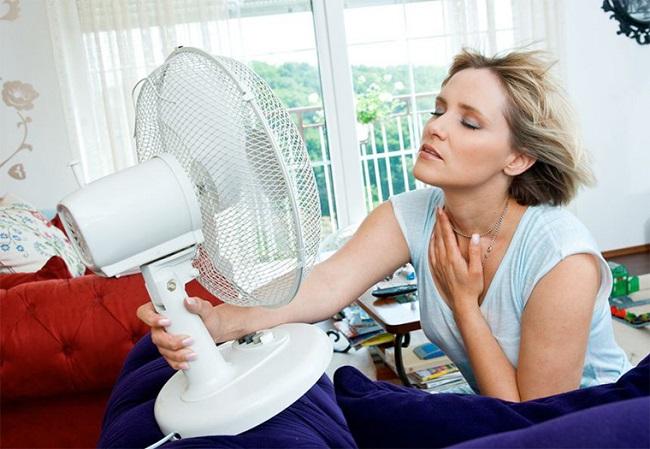 5 thói quen dùng quạt sai cách trong mùa hè