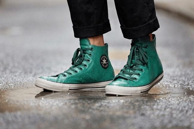 Mẹo giúp giữ giày sạch vào mùa mưa