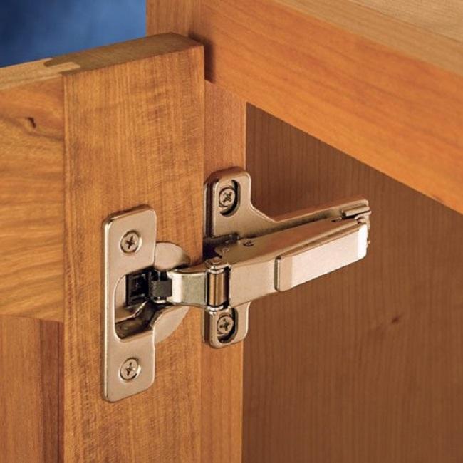Cách tháo lắp tủ gỗ khi chuyển nhà