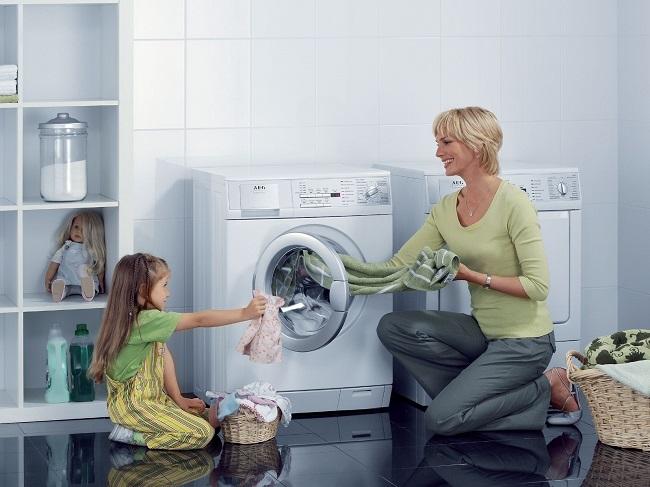 5 cách để quần áo không bị nhăn khi giặt bằng máy giặt