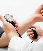 Chỉ trong 4 giờ hoạt động thể chất bằng cách làm việc nhà giúp giảm huyết áp trung bình 6-8 giờ