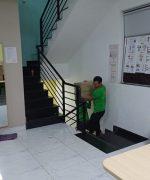 Chuyển nhà qua cầu thang nhỏ cần có đội ngũ vận chuyển chuyên nghiệp