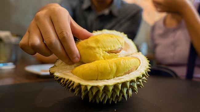Bạn có thể bọc nhiều lớp bên ngoài nếu không muốn những thực phẩm bị lây mùi