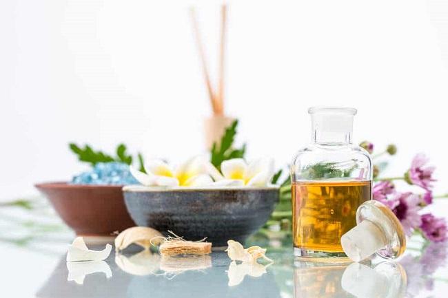 Có nhiều loại nước hoa, tinh dầu chuyên dụng cho nhà tắm để bạn lựa chọn.