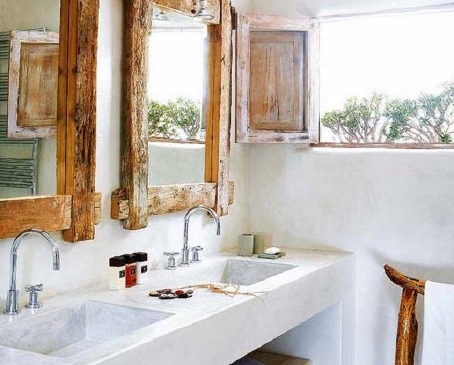 Lắp đặt gương soi đủ cao để người cao nhất trong nhà có thể nhìn thấy đầy đủ khuôn mặt hoặc phần thân trên của mình.
