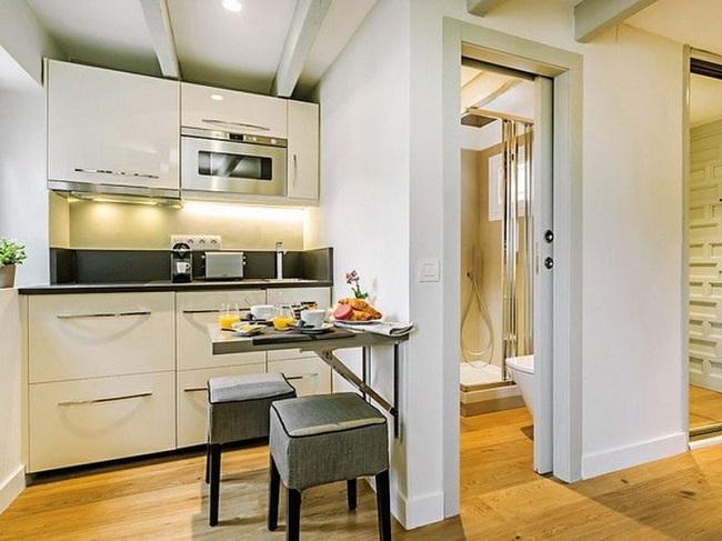 Nhiều căn hộ chung cư hiện nay thường có cửa phòng vệ sinh gần ngay cửa chính.
