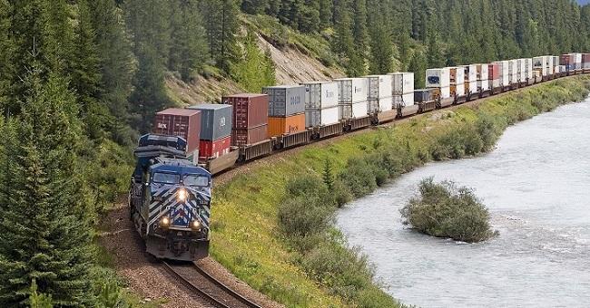 So sánh ưu điểm của đường sắt và đường ô tôô